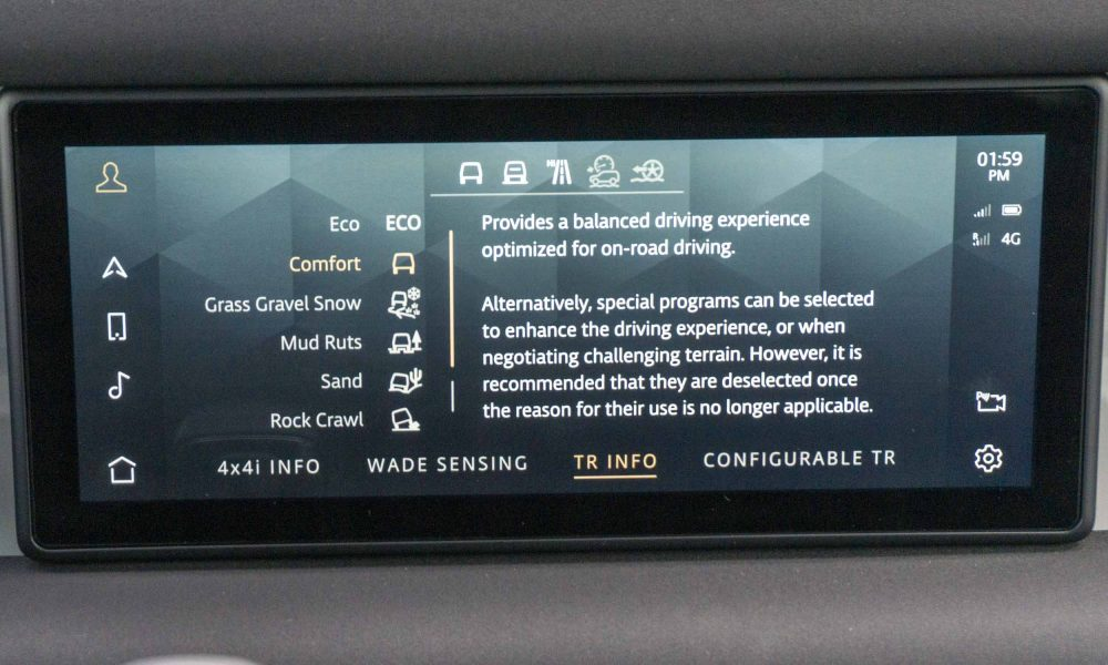 2020 Land Rover Defender touch screen