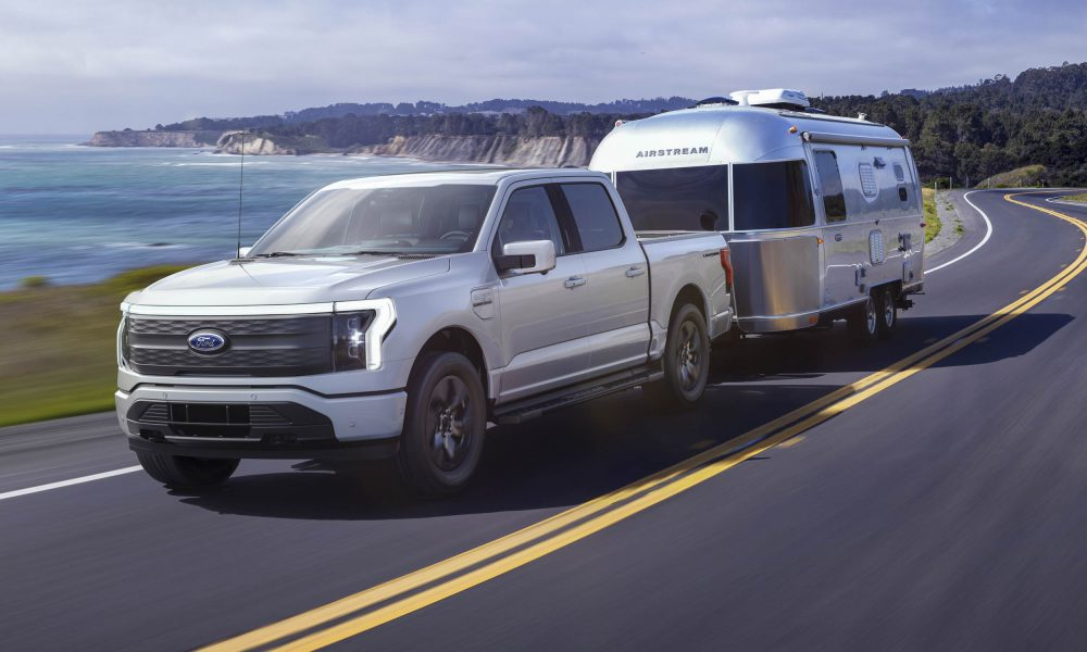2022-Ford-F-150-Lightning towing camper